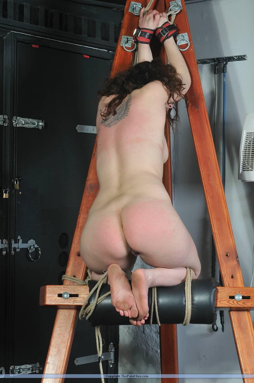 Amateur lesbian pain slut